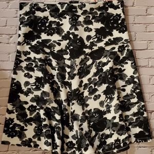 (NWT) Marilyn Monroe Black & White Skirt